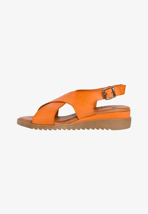 Sandały na koturnie - orange