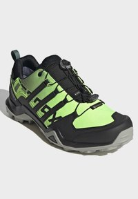 adidas Performance - TERREX SWIFT GORE-TEX HIKING SHOES - Hiking shoes - green - 3