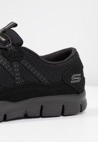 Skechers Wide Fit - STROLLING - Trainers - black - 2