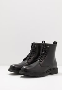 Trussardi Jeans - Snørestøvletter - black - 2