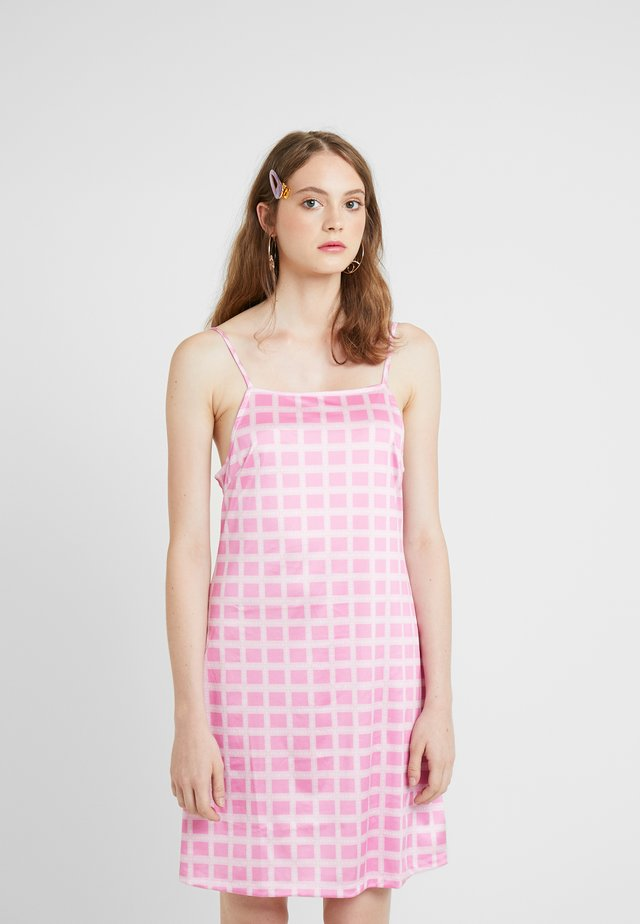 NORA LOGO DRESS - Vestito di maglina - pink