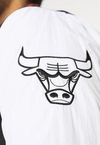 New Era - NBA EAST WEST COAST VARSITY JACKET - Club wear - black - 3