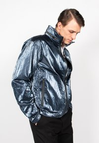 Freaky Nation - STEELBASE - Windbreaker - steel blue - 3