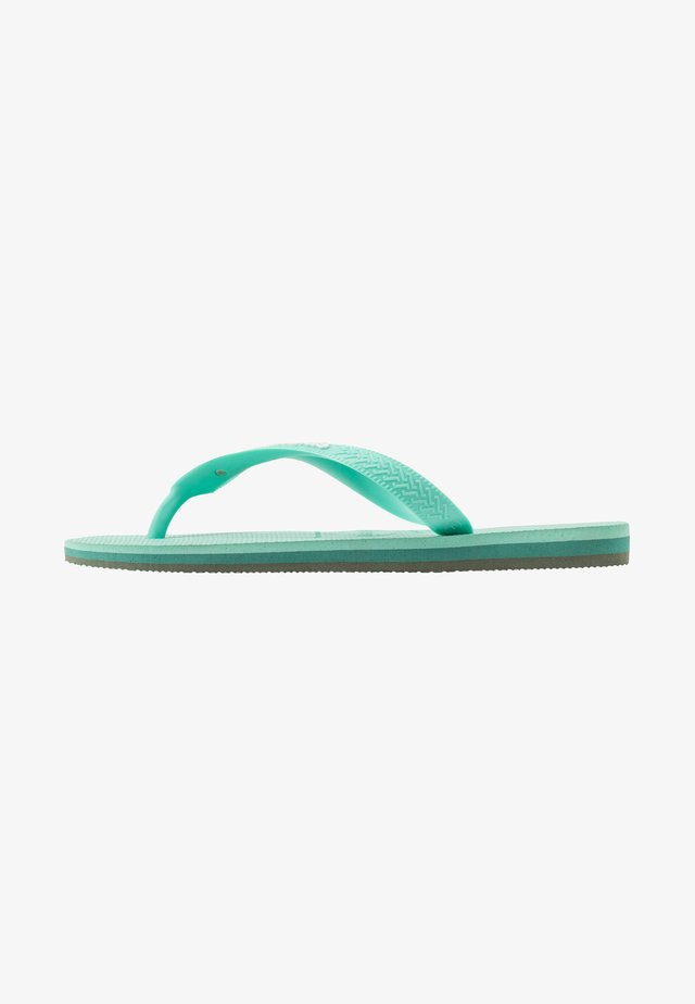 BRASIL LAYERS - Pool shoes - green dew