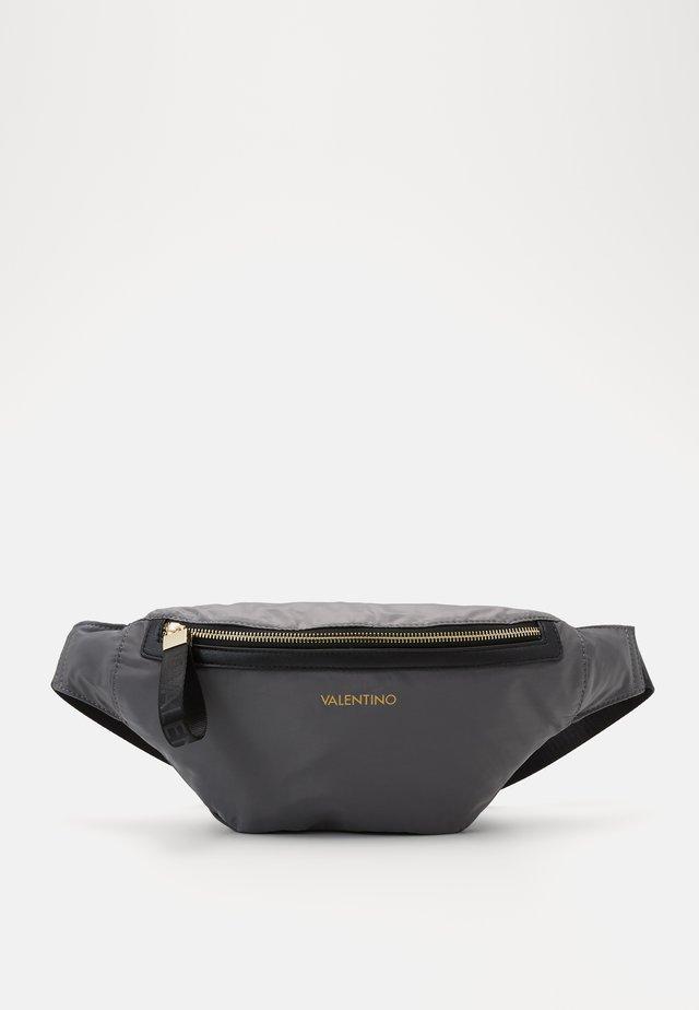 CLOONEY  - Rumpetaske - grigio