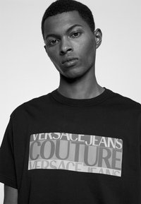 Versace Jeans Couture - Print T-shirt - nero - 3