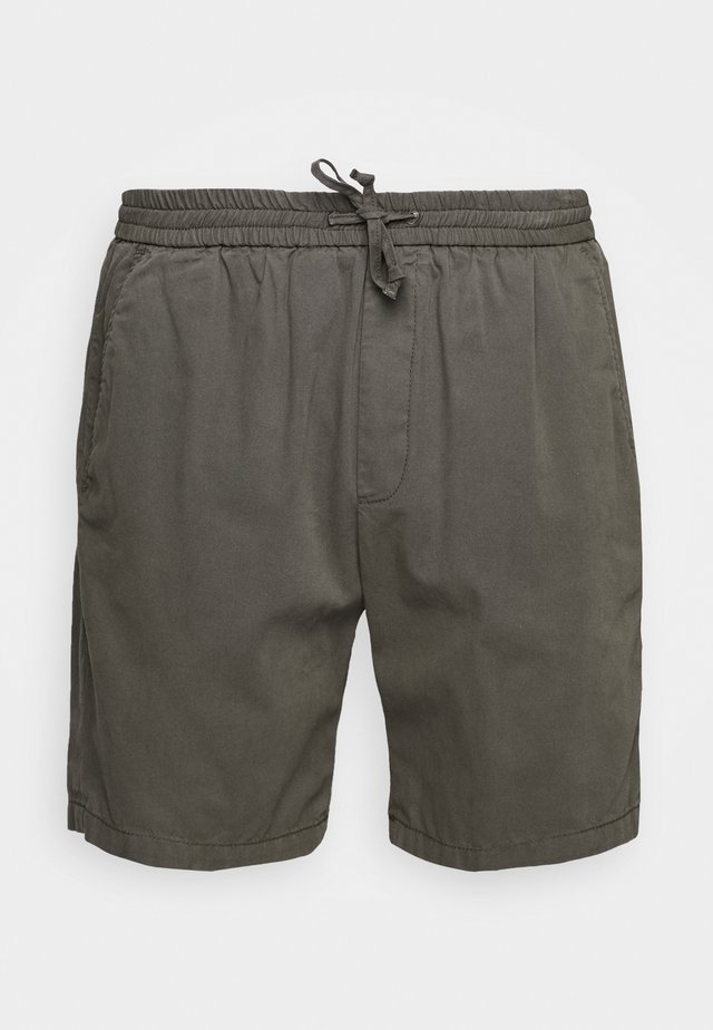 CHASE - Shorts - forrest night