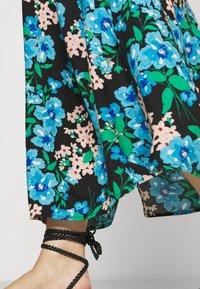 Simply Be - DOUBLE LAYER MAXI DRESS - Maxi šaty - green paisley - 4