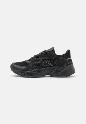 CRUMPTON UNISEX - Sportovní boty - black