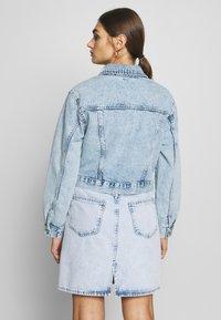 Gina Tricot - TRUCKER JACKET - Denim jacket - lt blue snow - 2