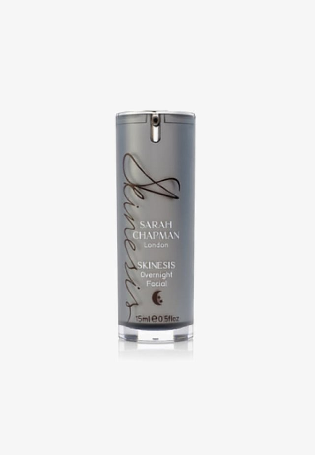 SARAH CHAPMAN SKINESIS OVERNIGHT FACIAL - Face cream - -