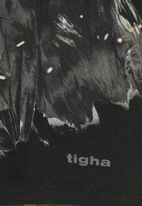 Tigha - SKY EAGLE ARNE - Print T-shirt - vintage black - 6