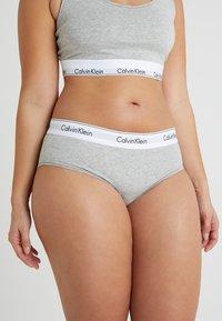 Calvin Klein Underwear - MODERN PLUS BOYSHORT - Briefs - grey heather - 0