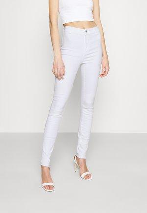 ONLBLUSH LIFE BOX - Jeansy Skinny Fit - white