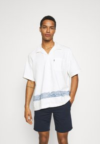 Levi's® Made & Crafted - RELAXED CAMP - Overhemd - white - 0
