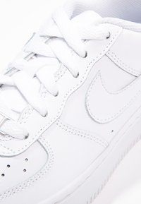 Nike Sportswear - AIR FORCE 1 - Matalavartiset tennarit - white