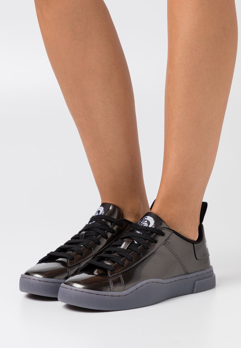 Diesel - CLEVER S-CLEVER LOW LACE W - Trainers - silver grey metallic