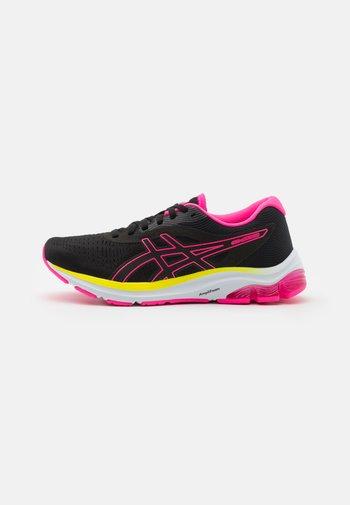 GEL-PULSE  - Neutrální běžecké boty - black/hot pink