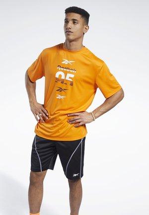 MYT T-SHIRT - T-shirts print - orange