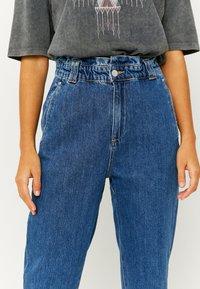 TALLY WEiJL - Jeans Tapered Fit - dark blue - 3