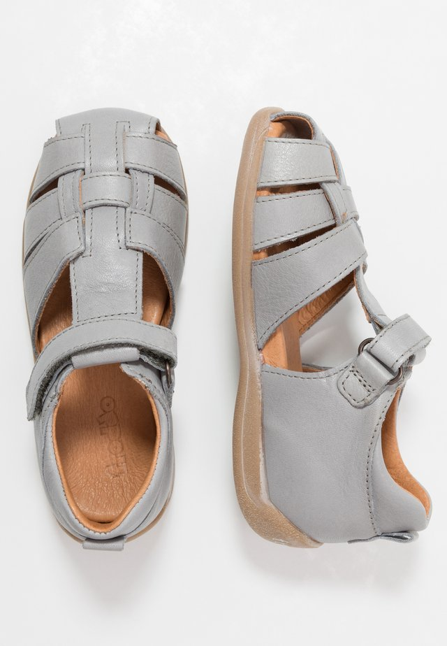 CARTE MEDIUM FIT - Riemensandalette - light grey