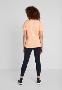Helly Hansen - LOGO - T-shirts print - melon - 2