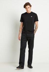 Dickies - STOCKDALE - Basic T-shirt - black - 1