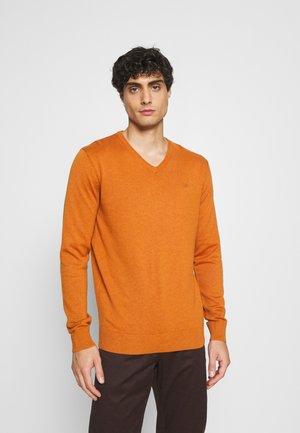 BASIC VNECK - Jumper - rusty orange melange