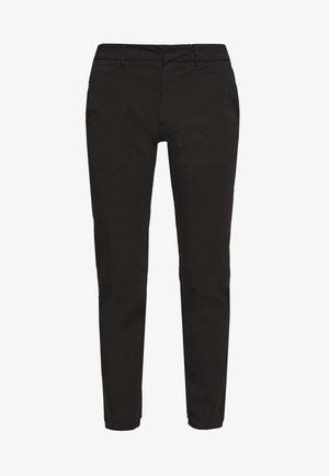 DENNIS JOHANSEN PANT - Chino kalhoty - black