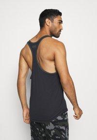 Under Armour - ROCK IRON  - T-shirt de sport - black - 2