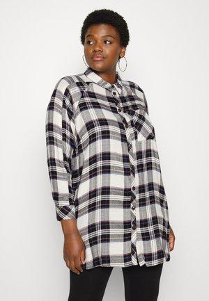 CARMISTY LOOSE  - Button-down blouse - tofu