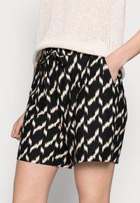 Soyaconcept - GUNBRIT - Shorts - black - 3