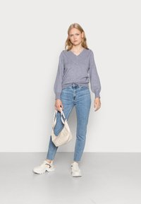 ONLY - ONLEMILY RAW MAE - Straight leg jeans - light blue denim - 2