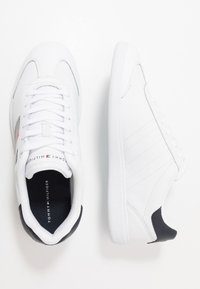 Tommy Hilfiger - ESSENTIAL CORPORATE CUPSOLE - Zapatillas - white - 1