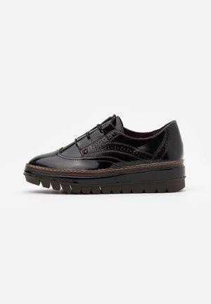 SLIP ON - Šněrovací boty - maroon