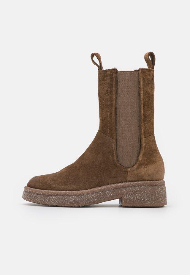 Platform ankle boots - mud