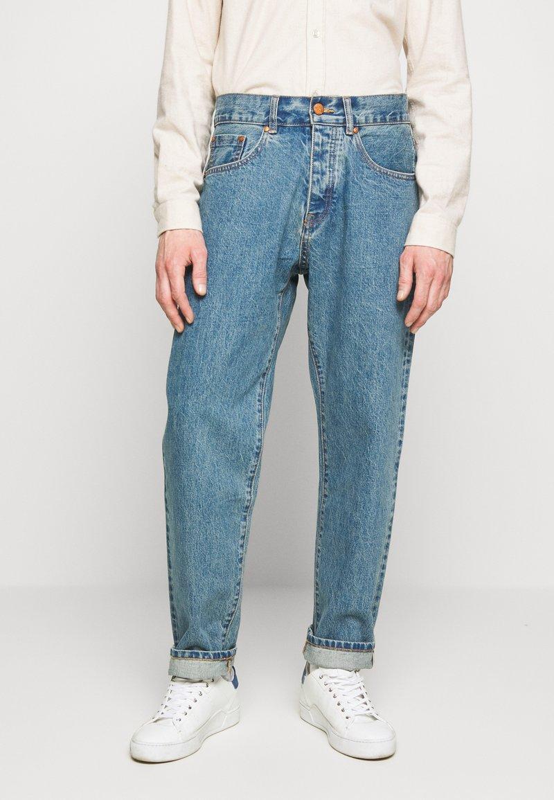 Han Kjøbenhavn - Relaxed fit jeans - heavy stone