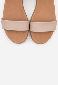 Dorothy Perkins - ROXXIE WEDGE - Platform sandals - nude - 5