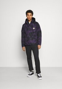Carhartt WIP - NIMBUS PULLOVER - Light jacket - purple - 1