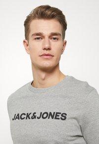 Jack & Jones - JACLOUNGE SET - Pyjamas - light grey melange - 6