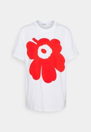 KIOSKI LIUSKE UNIKKO  - Print T-shirt - white/orange