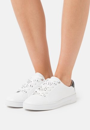 MERATA - Sneakers laag - white/grey
