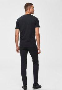 Selected Homme - T-paita - black - 2