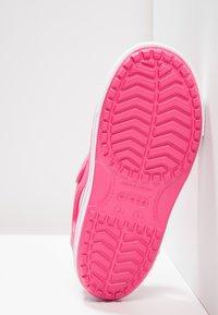 Crocs - CROCBAND II - Pool slides - paradise pink/carnation - 5