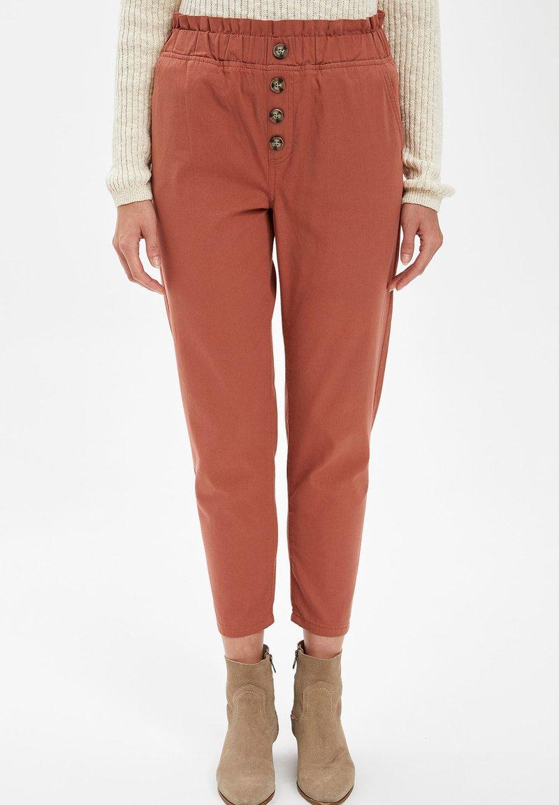 DeFacto - Trousers - bordeaux