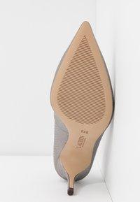 Lauren Ralph Lauren - LANETTE - Classic heels - silver - 6