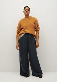 Violeta by Mango - NOP - Trousers - dunkelgrau meliert - 1