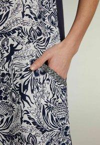 Oui - Day dress - white blue - 5