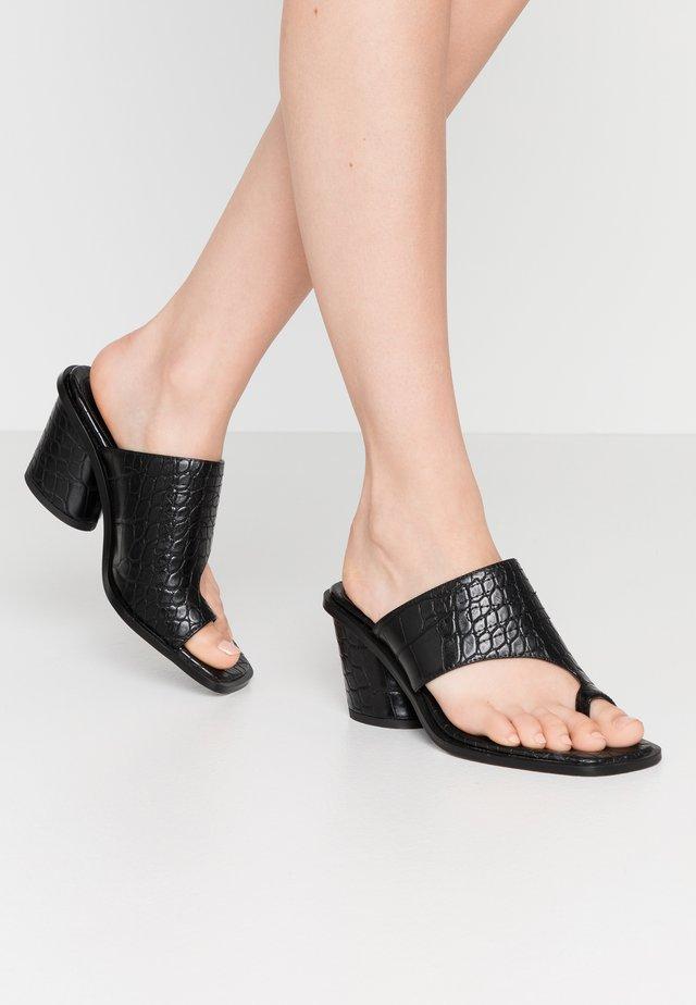 TOE RING MULES BLOCK HEEL - T-bar sandals - black