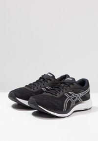 ASICS - GEL-EXCITE 6 - Zapatillas de running neutras - black/white - 2